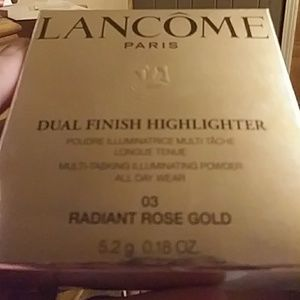 Lancome NWOT dual finish highlighter 03 rose gold